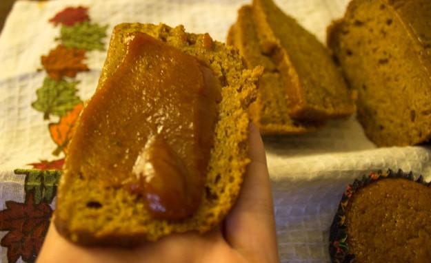 Healthy Pumpkin Bread With Applesauce  pumpkin applesauce bread