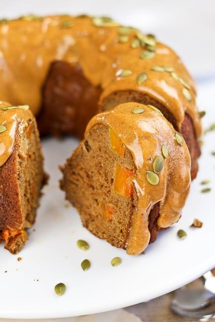 Healthy Pumpkin Bundt Cake  Spicy Pumpkin and Apple Bundt Cake