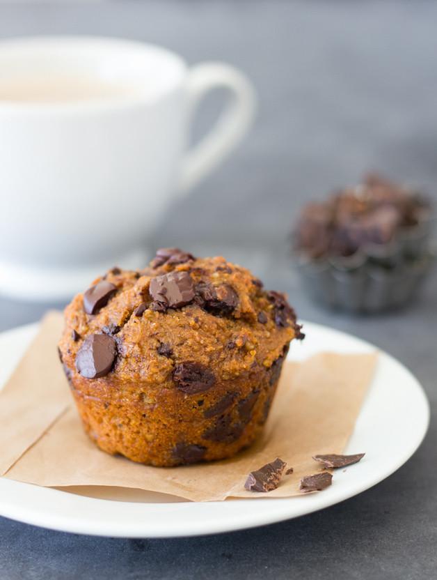 Healthy Pumpkin Chocolate Chip Muffins  pumpkin chocolate chip muffins healthy