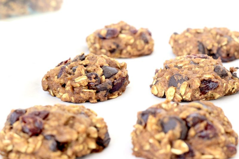 Healthy Pumpkin Oatmeal Chocolate Chip Cookies  Pumpkin Oatmeal Chocolate Chip Cookies Healthy and Easy