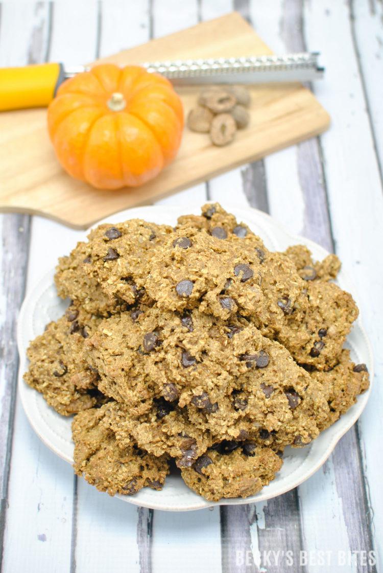 Healthy Pumpkin Oatmeal Cookies  Healthy Pecan Chocolate Chip Pumpkin Oatmeal Cookies