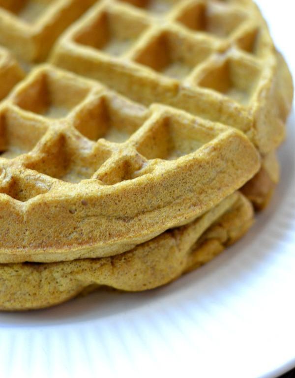 Healthy Pumpkin Waffles  healthy pumpkin waffles