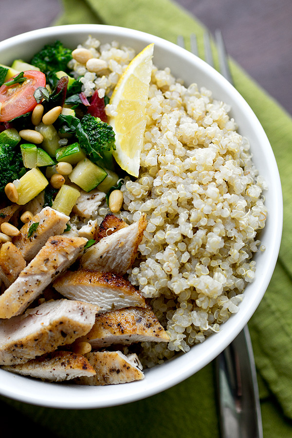 Healthy Quinoa Bowls  Chicken & Toasted Quinoa Bowls with Garlic Sauteed Veggies