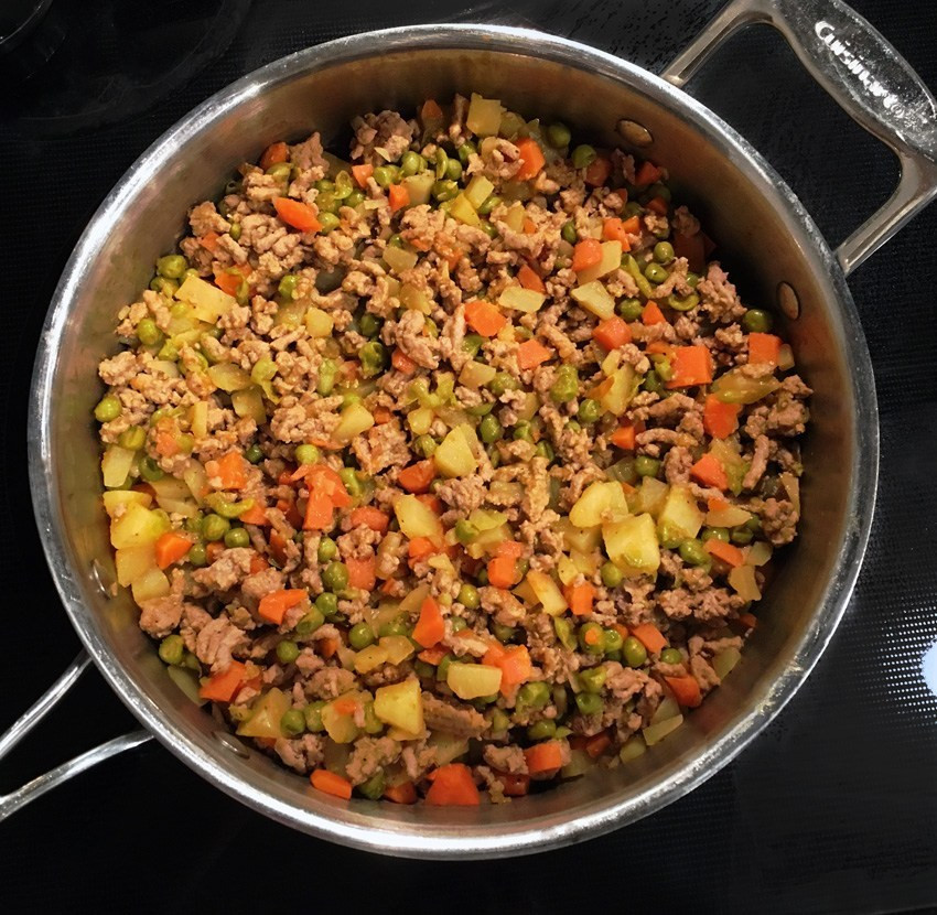 Healthy Recipes With Ground Turkey Meat  Ground Turkey with Carrots Peas and Potatoes