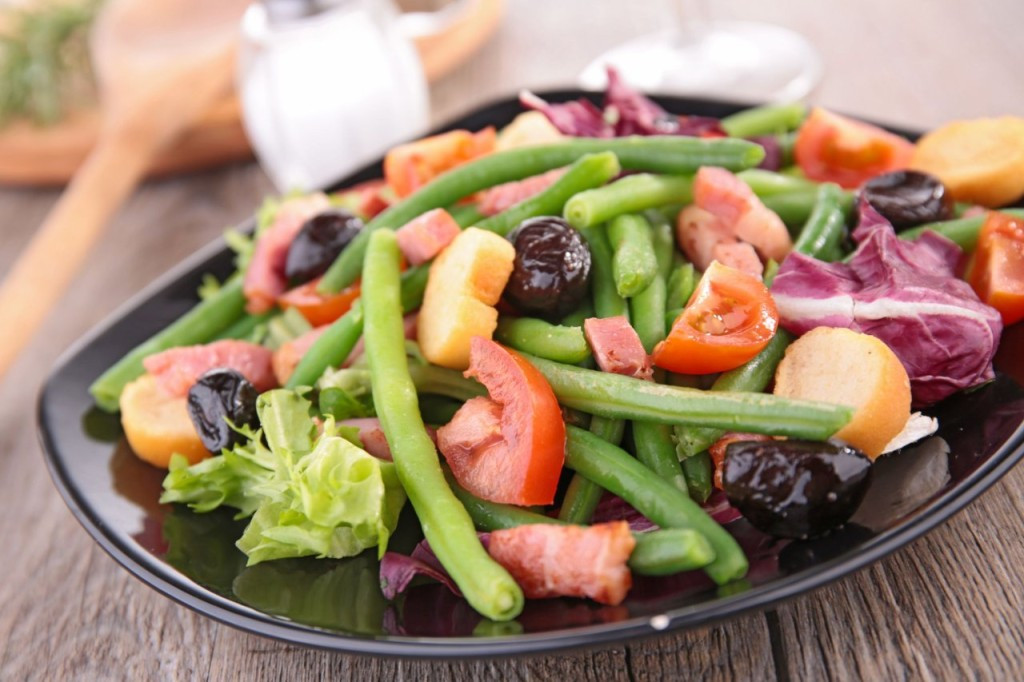 Healthy Salads To Eat  WatchFit Healthy salads for weight loss Mastering the