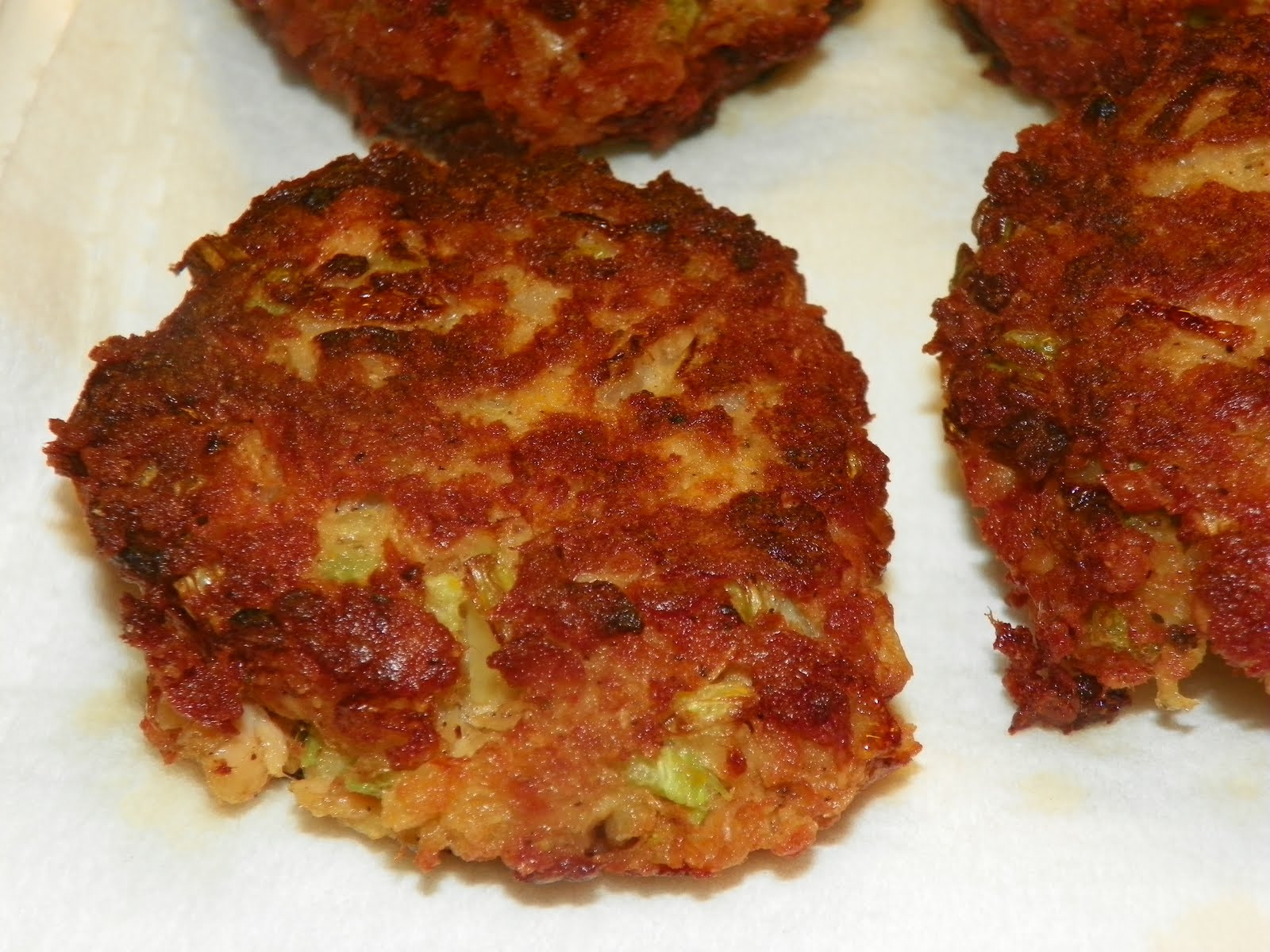 Healthy Salmon Patties  designer bags and dirty diapers Salmon Cakes
