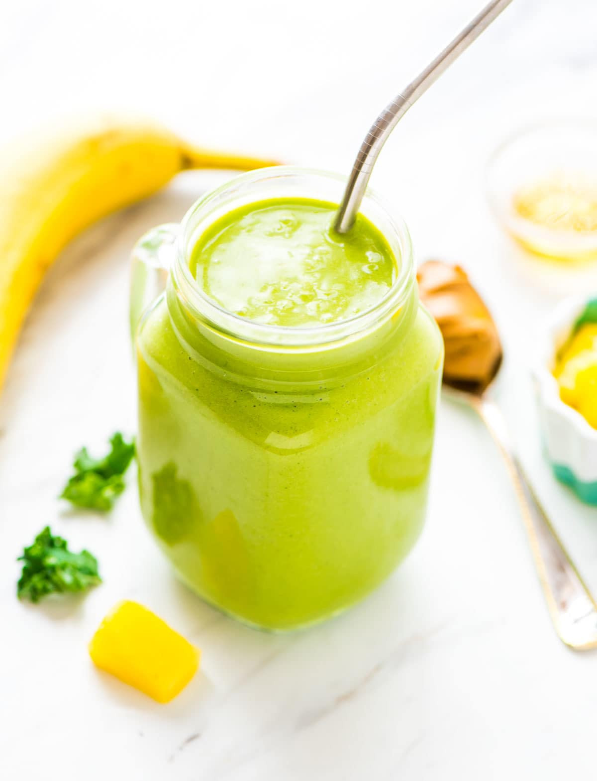 Healthy Shakes For Breakfast  pineapple avocado kale smoothie