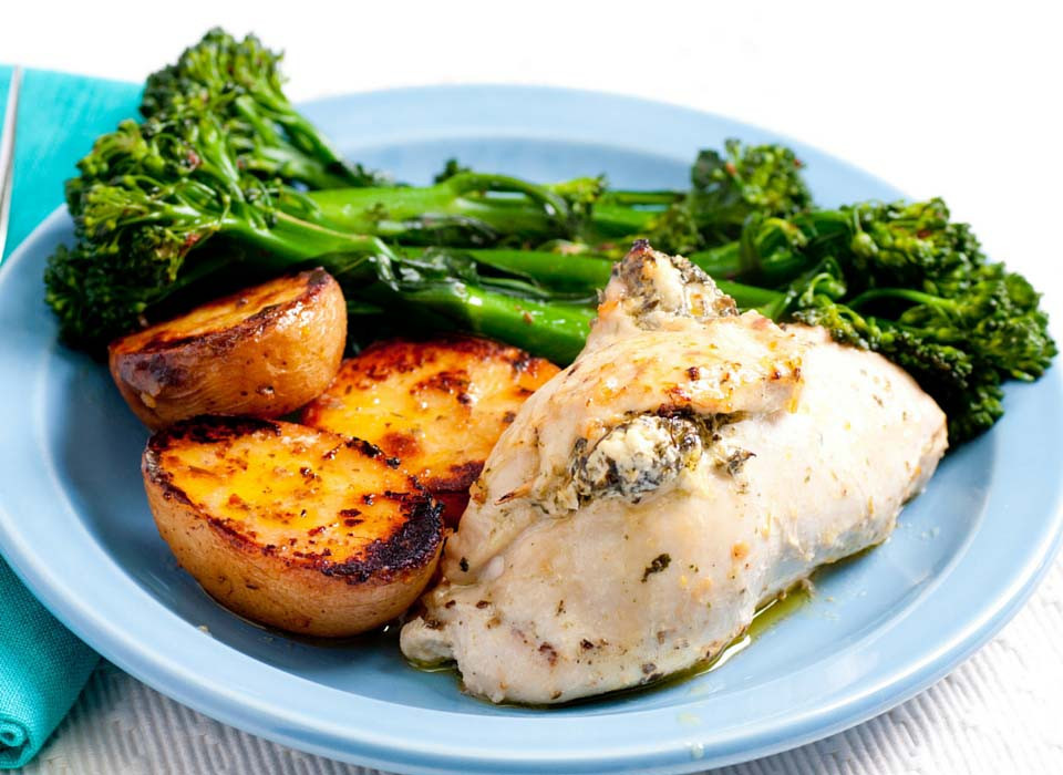 Healthy Sides For Baked Chicken  4 Ingre nt Spinach and Ricotta Stuffed Chicken Breast