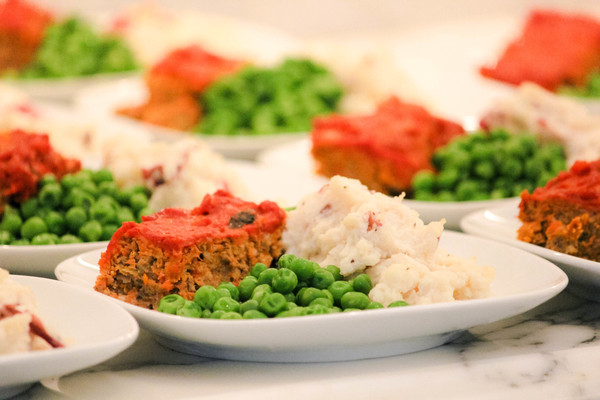 Healthy Sides For Meatloaf  Healthy Meatloaf Recipe with Lots of Hidden Ve ables