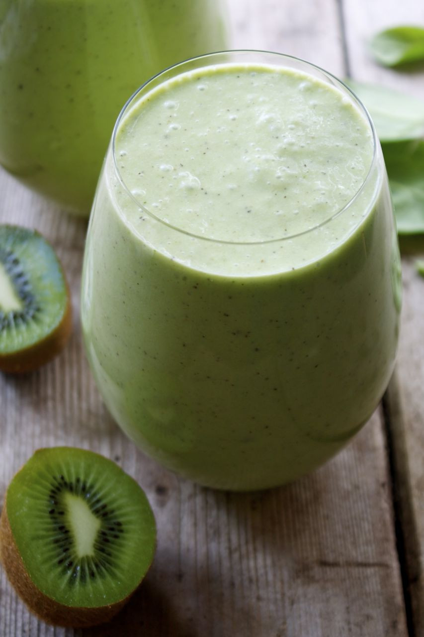 Healthy Smoothies With Coconut Milk  Pineapple Kiwi Green Smoothie with Coconut Milk