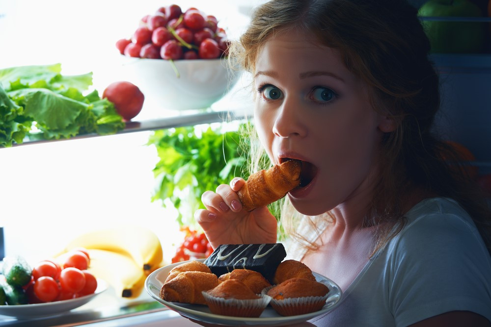 Healthy Snacks To Eat At Night  10 Healthy Low Calorie Late Night Snacks HealthifyMe Blog