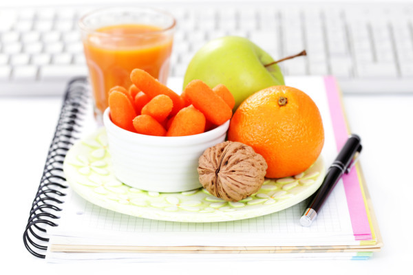 Healthy Snacks To Eat At Work  Wellness fice Snacks Welnis
