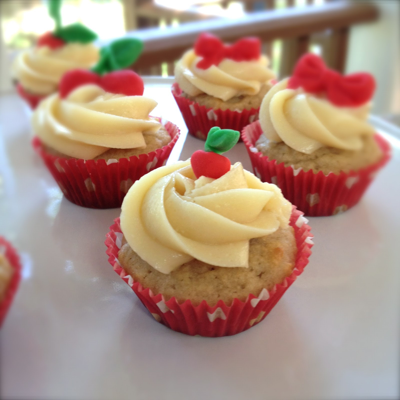 Healthy Strawberry Cupcakes  Evolution of a Party Strawberry Cupcakes The Healthy Way