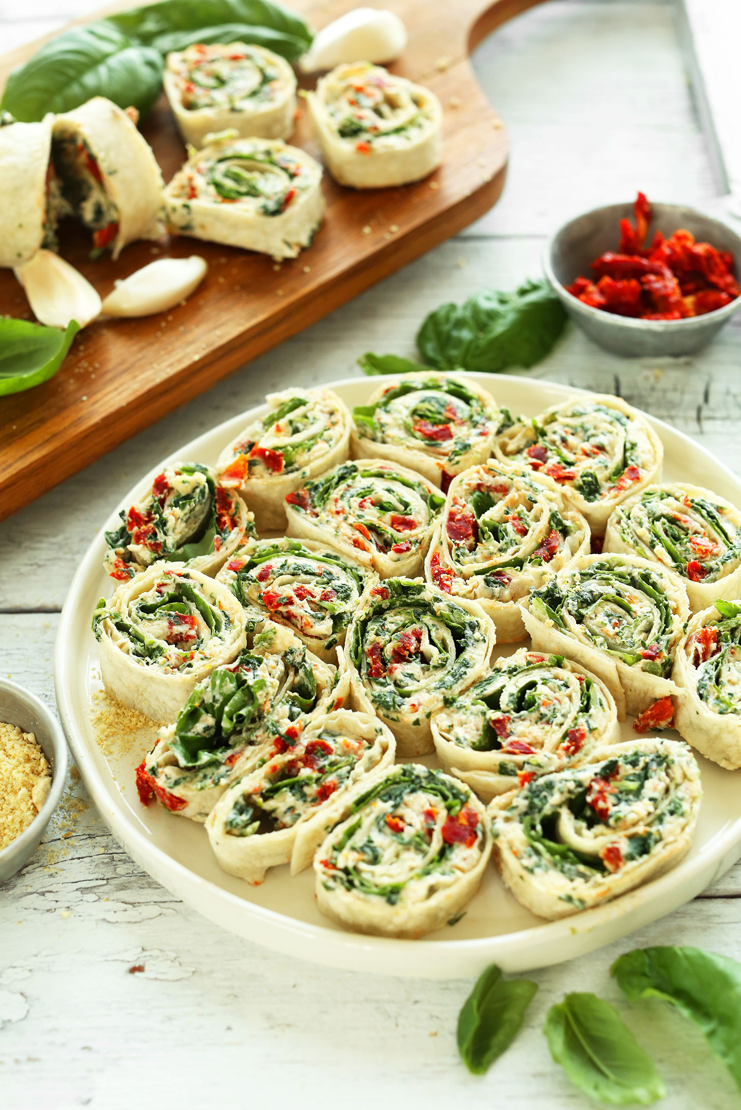 Healthy Summer Appetizers  Sun Dried Tomato Basil Pinwheels