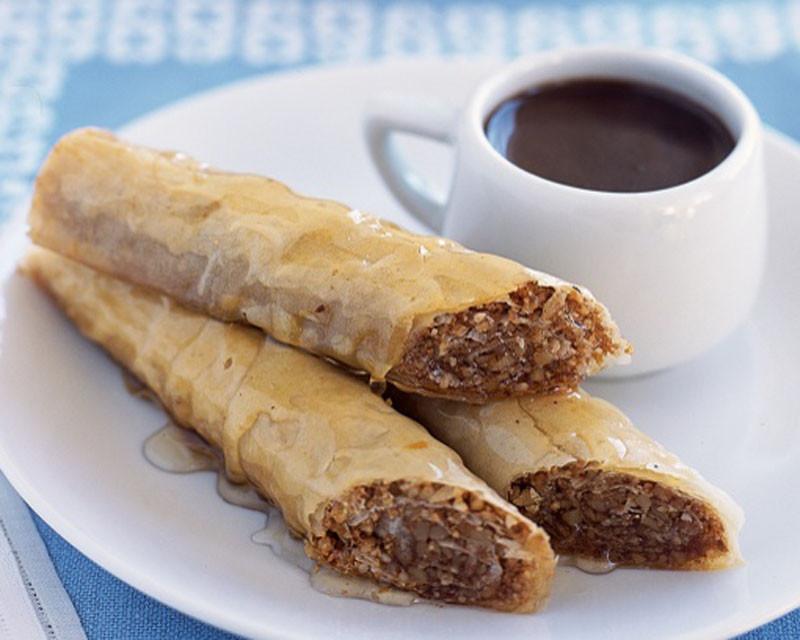 Healthy Sweet Snacks  Baklava with Honey Syrup