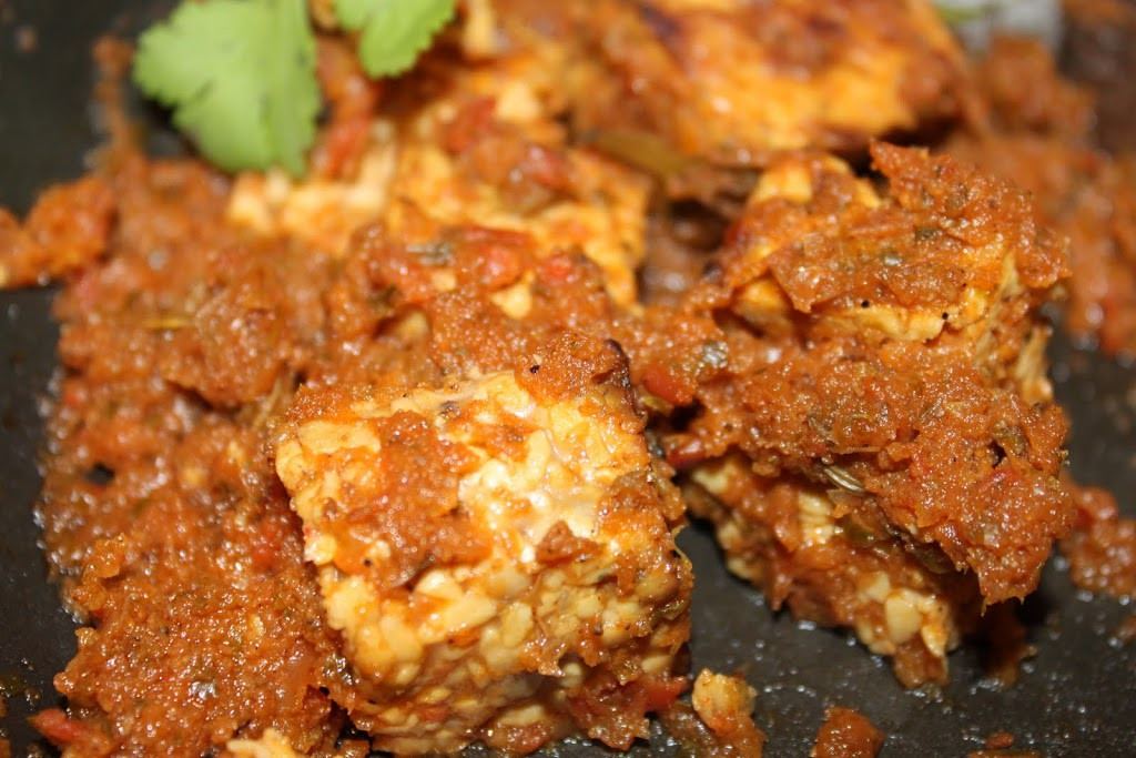 Healthy Tempeh Recipes  Dhania Fake Chicken Tempeh in Cilantro tomato Curry