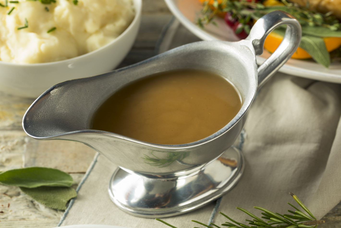 Healthy Turkey Gravy  Healthy Holiday Food Swaps for This Holiday Season