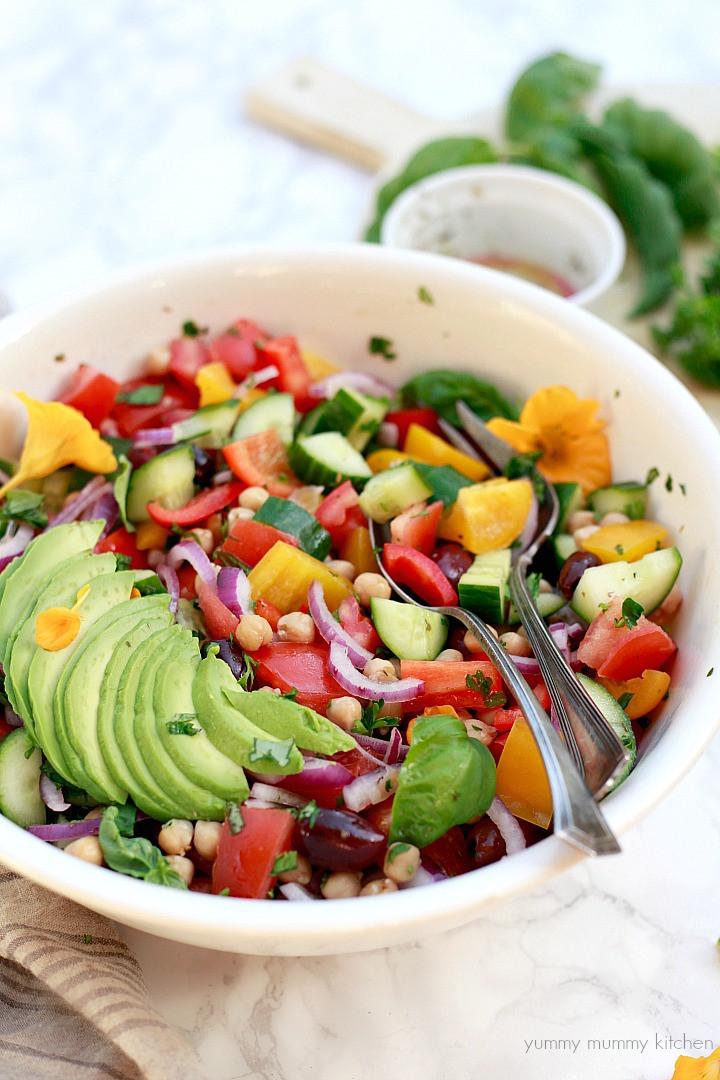 Healthy Vegan Salads  Greek Salad with Chickpeas