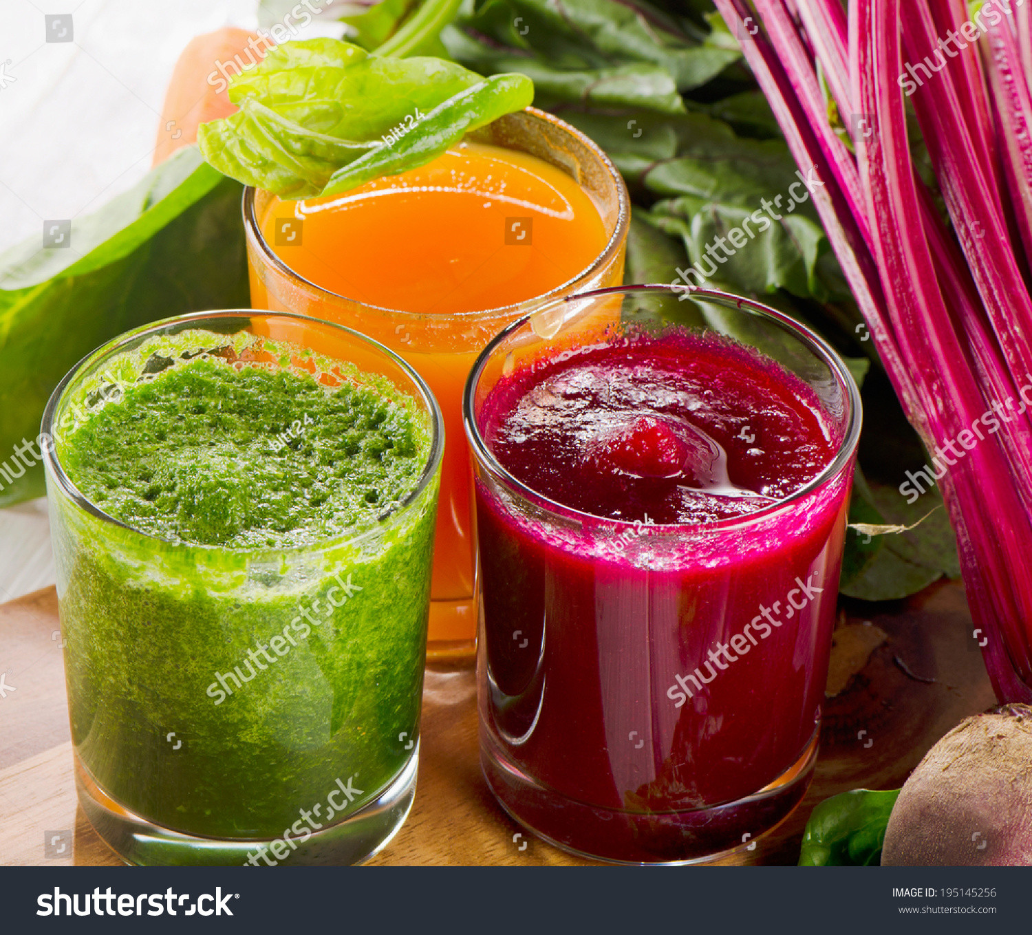 Healthy Vegetable Smoothies  Healthy Ve able Smoothie And Juice Selective Focus