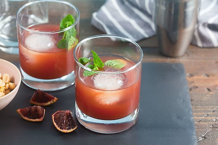 Healthy Whiskey Drinks  Blood Orange Tea Whiskey Cocktails – Sweetened with