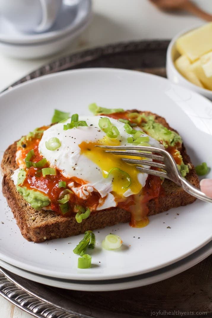 Heart Healthy Breakfast Recipes  Ricotta Avocado Toast with Poached Egg