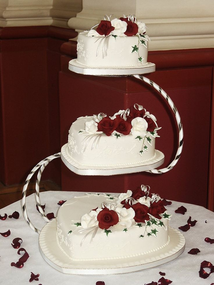 Heart Shaped Wedding Cakes  13 Perfectly Sweet Heart Shaped Wedding Cakes