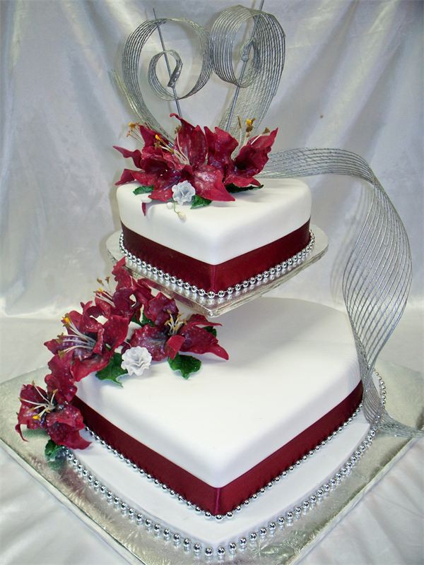 Heart Shaped Wedding Cakes  Heart Shaped Wedding Anniversary Cakes