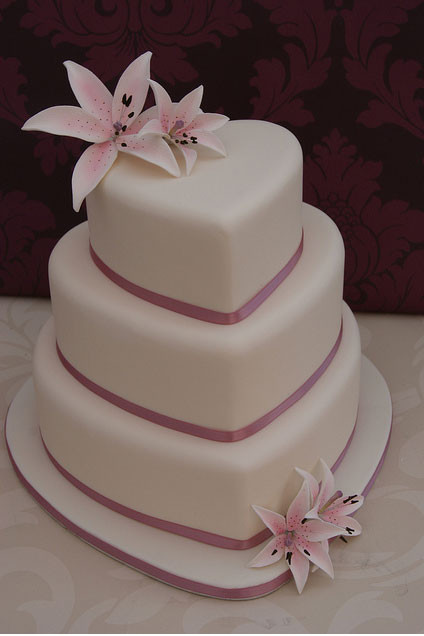 Hearts Wedding Cakes  The Wedding Collections Heart Wedding Cakes