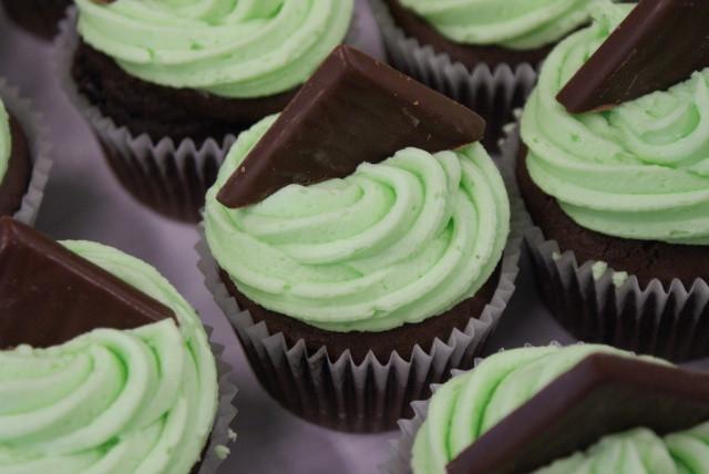 Heb Wedding Cakes  Chocolade en pepermunt cupcakes maken