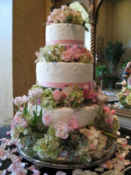 Heritage Wedding Cakes  Blooming Wedding Cake Wedding Cakes