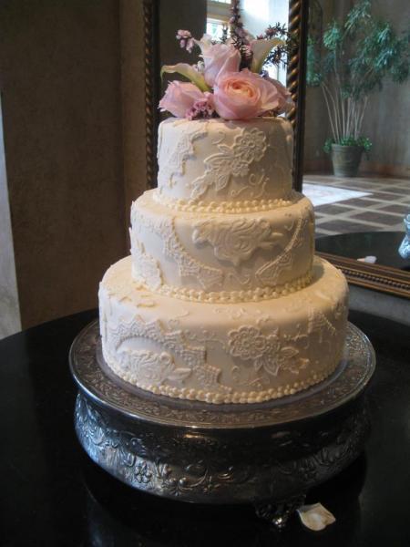 Heritage Wedding Cakes  White Vintage Wedding Cake Wedding Cakes