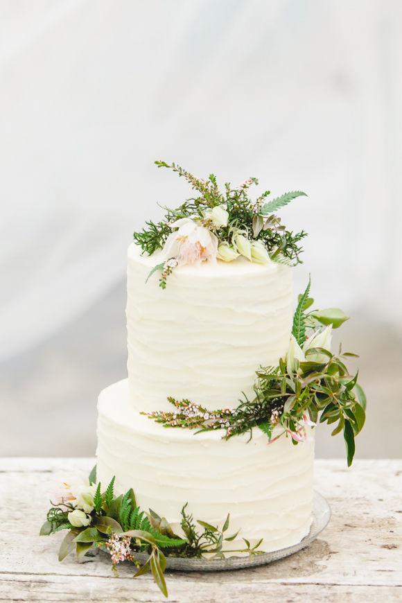 Hippie Wedding Cakes  12 Spectacular Boho Wedding Cakes with a Southwest Vibe