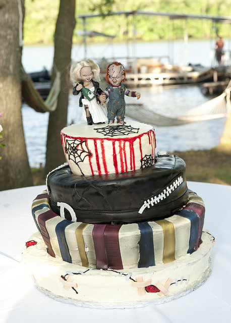 Horror Wedding Cakes  horror movie themed wedding cakes