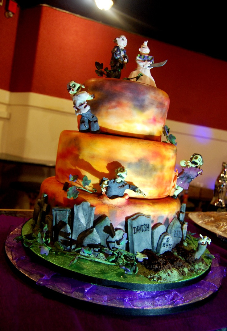 Horror Wedding Cakes  Scary Wedding Cakes Cake Ideas and Designs