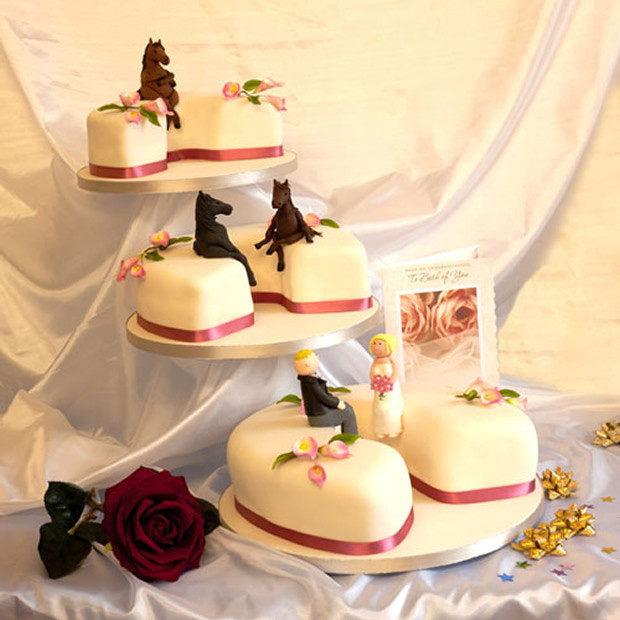 Horse Wedding Cakes  Decor Ideas for Equestrian Themed Weddings Style Reins