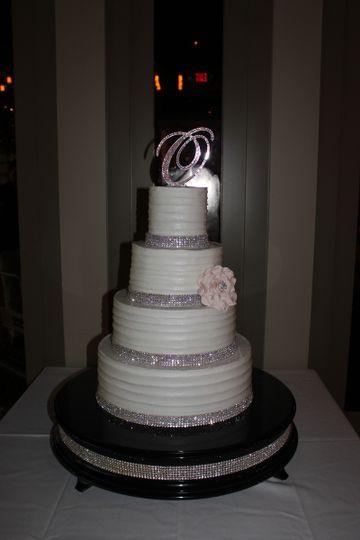 Houston Wedding Cakes  Who Made the Cake Wedding Cake Houston TX WeddingWire