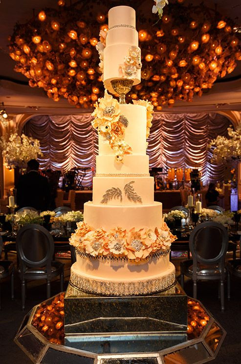 Huge Wedding Cakes  Top 13 Most Beautiful Huge Wedding Cakes