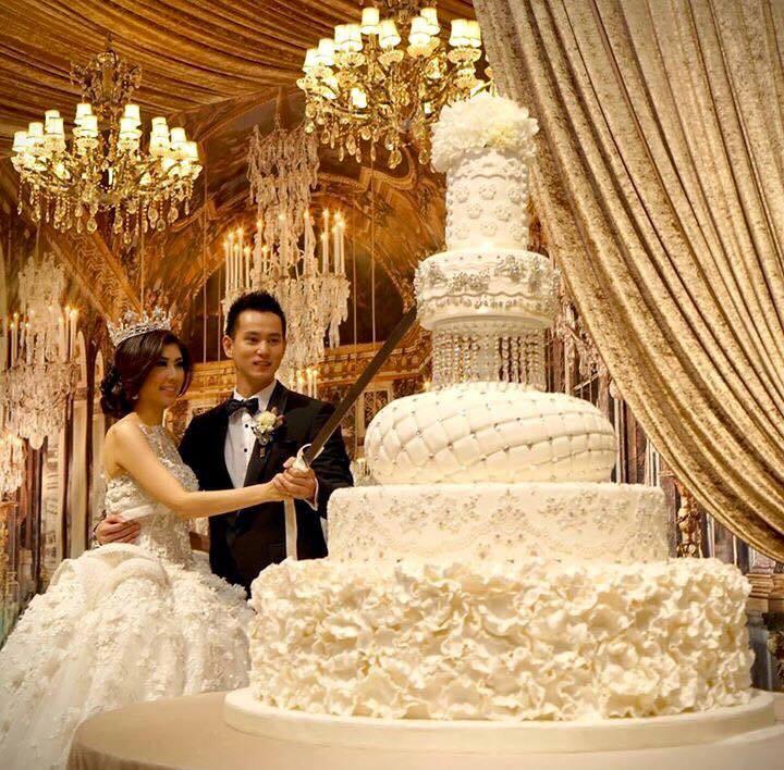 Huge Wedding Cakes  Top 13 Most Beautiful Huge Wedding Cakes