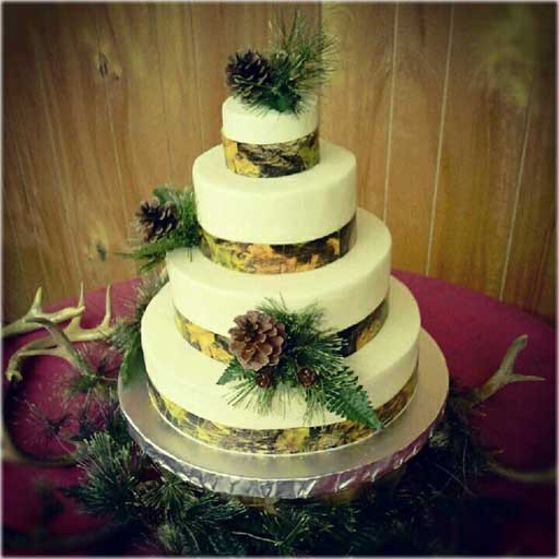 Hunting Wedding Cakes  A Cameo for the Camo • The Tipsy Verse