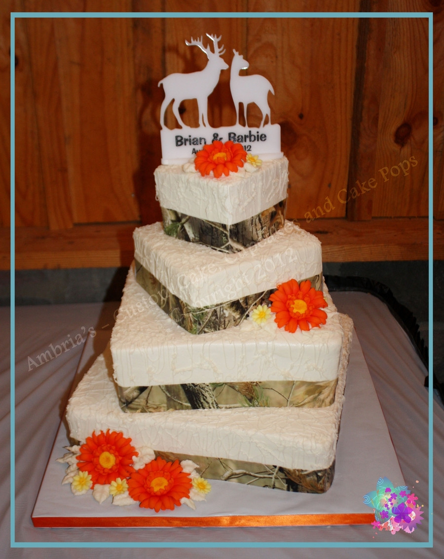 Hunting Wedding Cakes  Camo Wedding CakeCentral