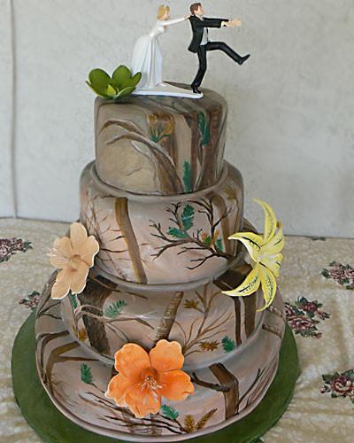 Hunting Wedding Cakes  Wedding Cakes Camo Wedding Cake Toppers