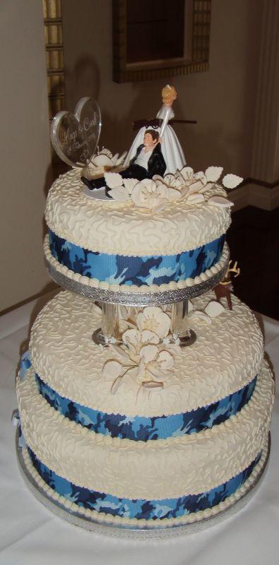 Hunting Wedding Cakes  Our Camo wedding cake