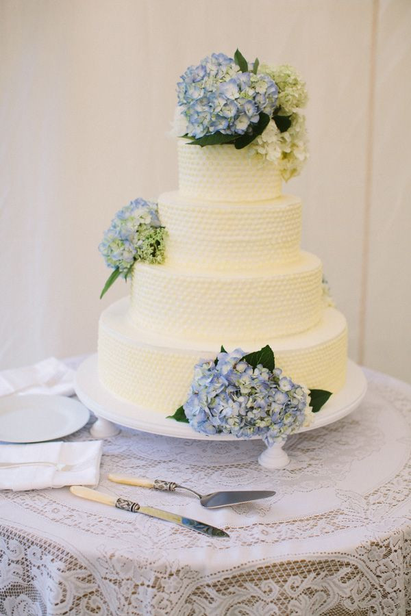 Hydrangeas Wedding Cakes  25 best ideas about Hydrangea Wedding Cakes on Pinterest