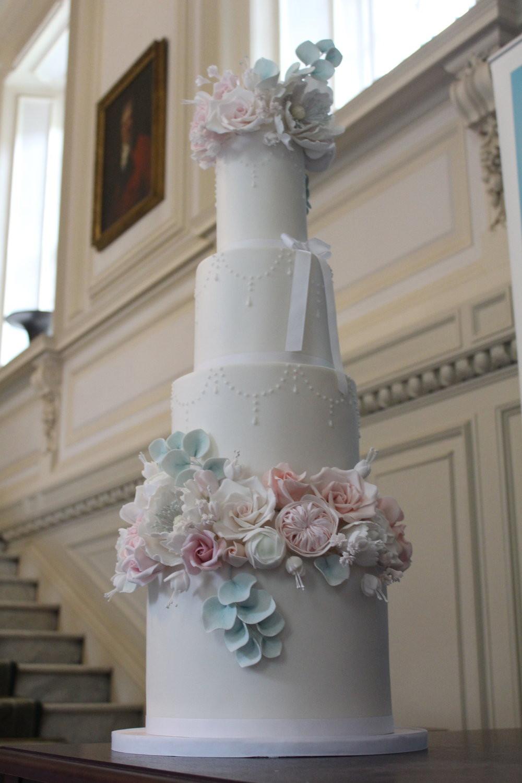 I Do Wedding Cakes  Rosewood Wedding Cakes