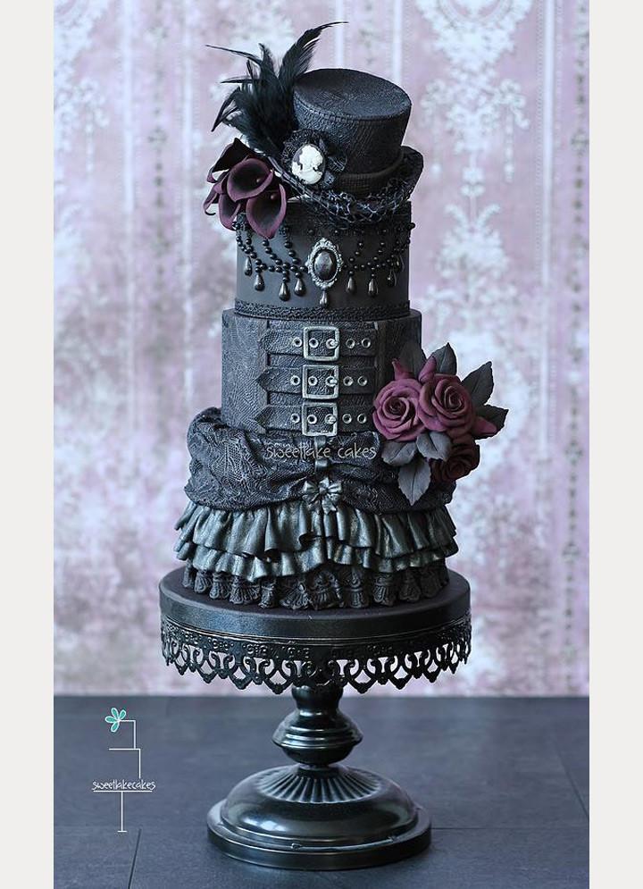 Iced Wedding Cakes  27 Black Iced Wedding Cakes For The Bold Bride Mon Cheri