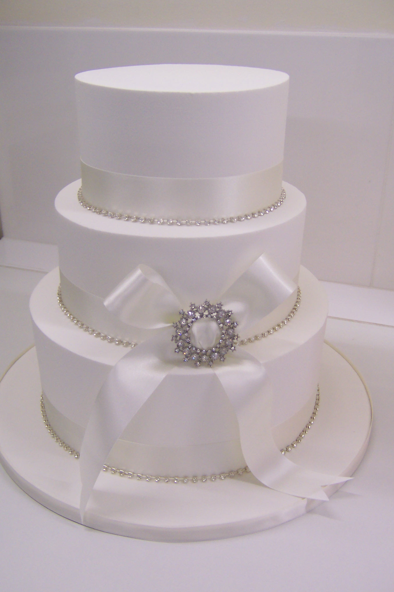 Iced Wedding Cakes  Royal Iced Wedding Cakes Inspirations