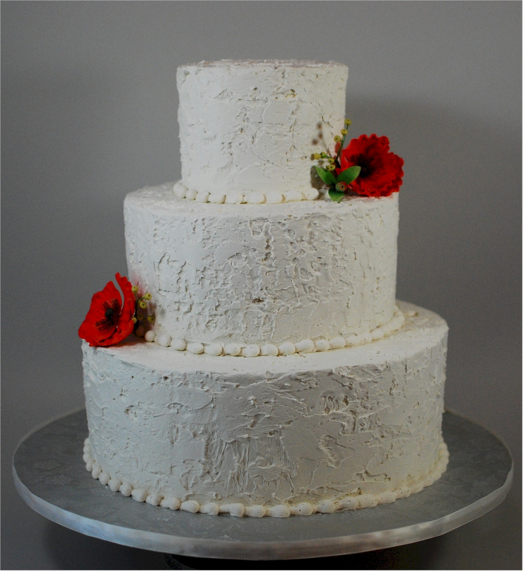 Icing For Wedding Cakes  How to icing a wedding cake idea in 2017