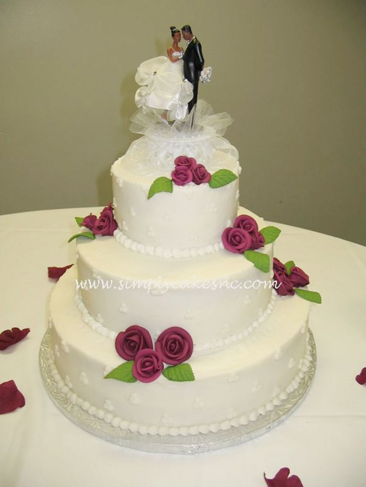 Icing For Wedding Cakes  Buttercream Wedding Cake With Royal Icing Roses Wedding