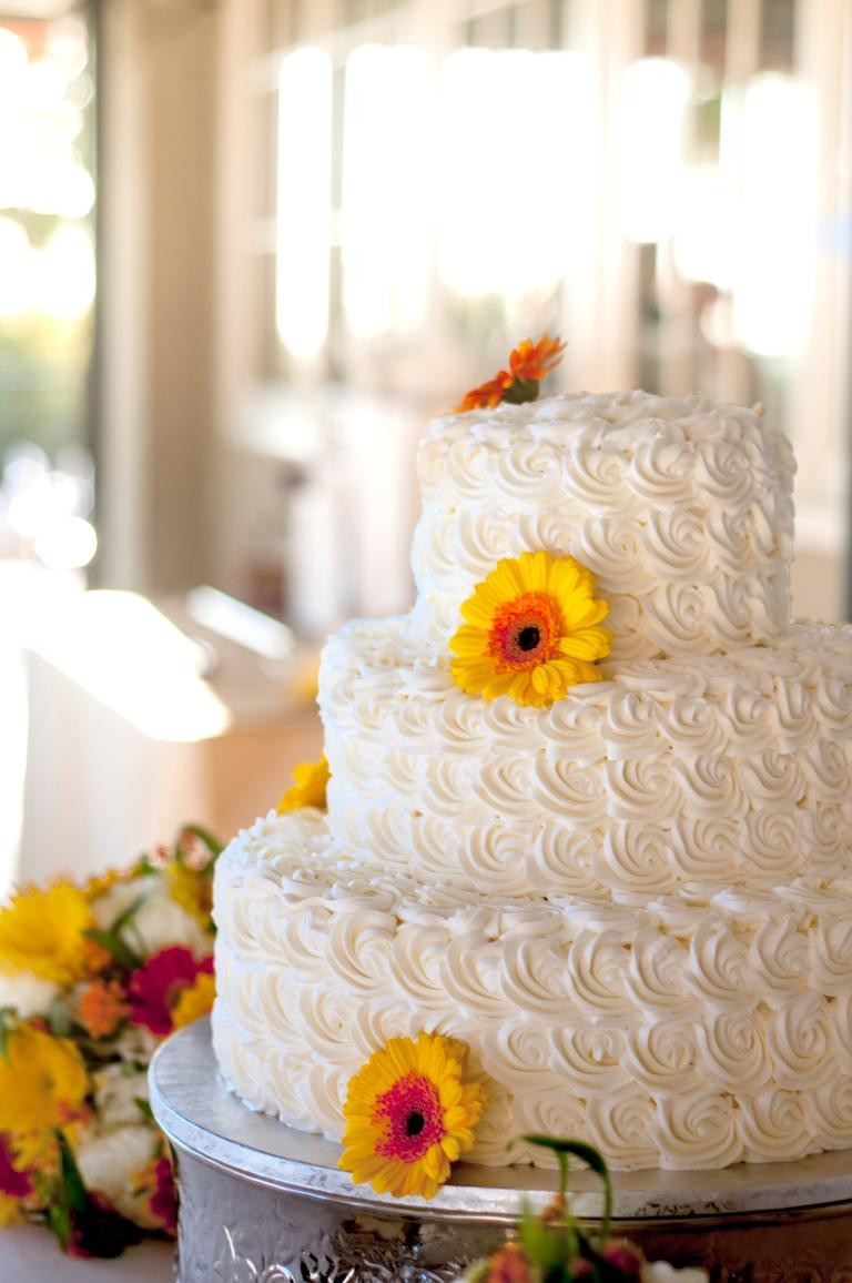 Icing Wedding Cakes  7 Beautiful Buttercream Frosted Wedding Cakes