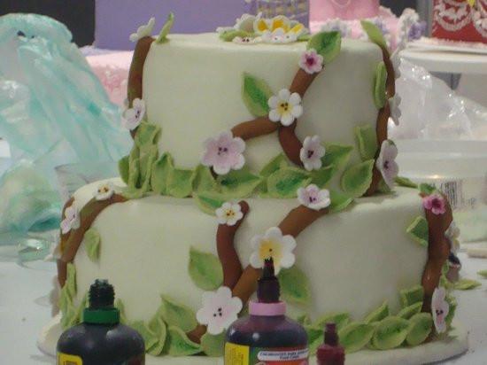 Ingles Wedding Cakes  wedding cakes Picture of El Ingles Gastro Pub Bogota